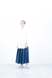 Cut&Sewn / S6_N161T : RTLT-L 9,500+tax br; Skirt / S6_N109K : FPLSK 19,500+tax