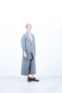 Jacket / S6_N043J : QVJK-L 33,000+tax br; Cut&Sewn / S6_N036T : PONT7 13,500+tax br; Pants / S6-N042P : DKPT 23,000+tax br; Shoes / S6_F111R : REGALIA DUDA-L 98,000+tax