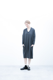 One Piece / S6_N038O : 126OP 22,000+tax br; Socks / S6_F102SO : LANA04 2,500+tax br; Shoes / S6_F1220R : ORDINARIA NOBLE 59,000yen+tax