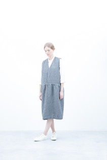 Dress / S6_N134DR : DJMPDR 29,000+tax br; Shirt / S6_N112S : CLGSH 22,500+tax br;