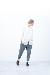 Shirt / S6_N112S : CLGSH 22,500yen+tax br; Pants / S6_N131P : D1SL 27,500yen+tax br; Shoes / S6_F111R : REGALIA DUDA-L 98,000+tax