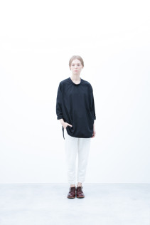 Pullover / S6_N051 : POSH 16,000yen+tax br; Pants / S6_N031P : WTPT 24,000yen+tax br; Shoes / S6_F111R : REGALIA DUDA-L 98,000+tax