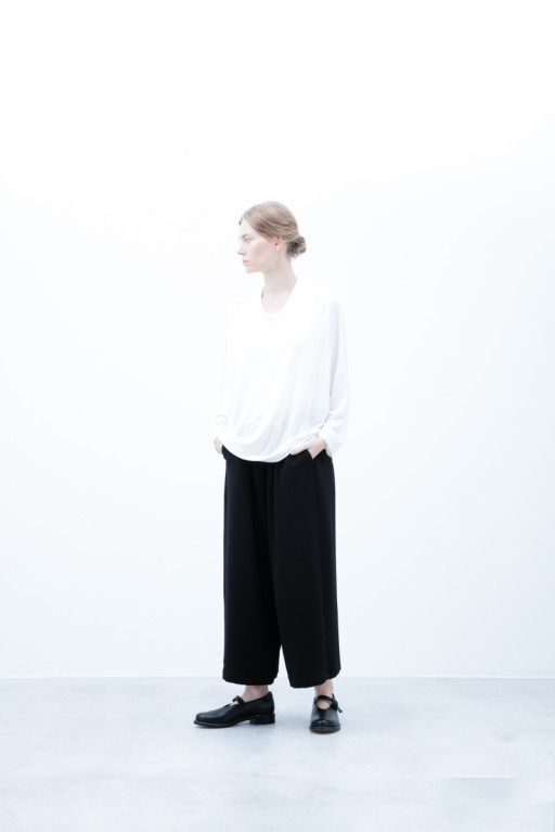 Cut&Sewn / S6_N036T : PONT7 13,500yen+tax br; Pants / S6_N102P : WDSL 21,000yen+tax br; Shoes / S6_F1220R : ORDINARIA NOBLE 59,000yen+tax