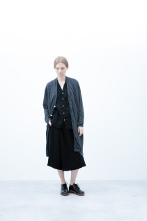 Coat / S6_N034C : PNCD 24,000yen+tax br; Shirt / S6_N153S : LFVSH 21,000yen+tax br; Half Pants / S6_N104P : FTYSPT 19.500yen+tax br; Shoes / S6_F1210R : ORDINARIA DURA-L 59,000yen+tax