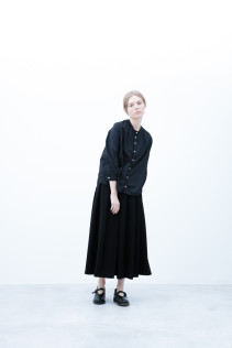 Shirt / S6_N053S : JMSH 18,500+tax br; Skirt / S6_N109SK : FPLSK 19,500yen+tax br; Shoes / S6_F1220R : ORDINARIA NOBLE 59,000yen+tax