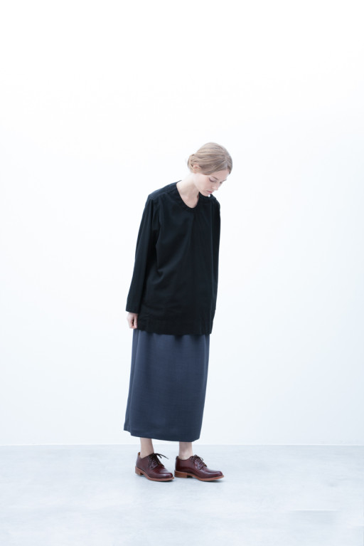 Pullover / S6_N121B : POPO 23,500yen+tax br; Skirt / S6_N067SK : LUTPSK 19,500yen+tax br; Shoes / S6_F111R : REGALIA DUDA-L 98,000+tax