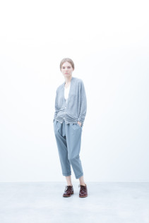 Cardigan / S6_N035T : FVCD 15,000yen+tax br; Pants / S6_N071P : YGPT 19,500yen+tax br; Shoes / S6_F111R : REGALIA DUDA-L 98,000+tax