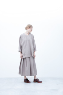 Pullover / S6_N121B : POPO 23,500yen+tax br; Skirt / S6_N124SK : TPLSK 23,500yen+tax br; Shoes / S6_F111R : REGALIA DUDA-L 98,000+tax