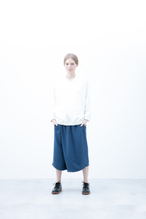 Pullover / S6_N073T WTWT 12,500yen+tax br; Half Pants / S6_N104P : FTYSPT 19,500yen+tax br; Shoes / S6_F1210R : ORDINARIA DURA-L 59,000yen+tax