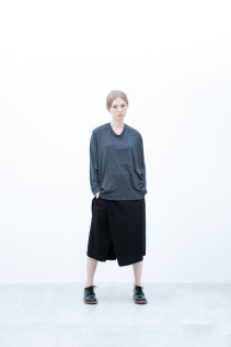 Cut&Sewn / S6_N036T : PONT7 13,500yen+tax br; Half Pants / S6_N104P : FTYSPT 19,500yen+tax br; Shoes / S6_F1210R : ORDINARIA DURA-L 59,000yen+tax