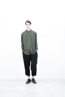 Shirt / S6_N112S : CLGSH 22,500yen+tax br; Pants / S6_N151P : WEPT 28,500yen+tax br; Shoes / S6_F116R : REGALIA DURA-M 98,000yen+tax