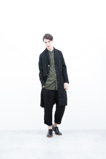 Coat / S6_N152C : LHCT 43,000yen+tax br; Shirt / S6_N112S : CLGSH 22,500yen+tax br; Pants / S6_N151P : WEPT 28,500yen+tax br; Shoes / S6_F116R : REGALIA DURA-M 98,000yen+tax