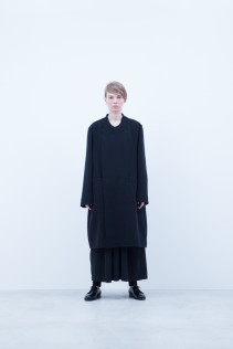 Coat / A6_N171C : RFCT 49,500+tax br; Dress / A6_N085T : CHOP 32,500+tax br;