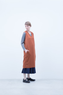 Dress / A6_N104O : NSOP 18,000+tax br; Cut&Sewn / A6_N021T : RTLT_L 9,200+tax br; Skirt / A6_N035SK : PLSK 21,500+tax br; Shoes / S6_F1220R : ORDINARIA NOBLE 59,000yen+tax