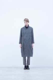 Coat / A6_N171C : RFCT 49,500+tax br; Turtleneck Cut&Sewn / A6_N124T : NFTN 23,500+tax br; Pants / A6_N101P : TGSL 22,500+tax br; Shoes / S6_F111R : REGALIA DUDA-L 98,000+tax