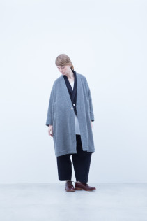 Coat / A6_N183C : MCCT 49,000+tax br; Jacket / A6_N141J : DPJK 36,000+tax br; Tank top / A6_N023T : RTTT 7,800+tax br; Pants / A6_N143P : GDPT 26,500+tax br; Shoes / S6_F111R : REGALIA DUDA-L 98,000+tax