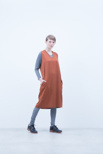 Cut&Sewn / A6_N021T : RTLT_L 9,200+tax br; Dress / A6_N104O : NSOP 18,000+tax br; Leggings / A6_N024T : BEAL 8,900+tax br;  Shoes / S6_F111R : REGALIA DUDA-L 98,000+tax