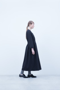 Dress / A6_N034O : HWOP 31,500+tax br; Leggings / A6_N024T : BEAL 8,900+tax br;