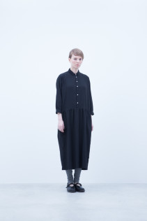 Dress / A6_N073O : JSGOP 33,500+tax br; Leggings / A6_N024T : BEAL 8,900+tax br;  Shoes / S6_F1220R : ORDINARIA NOBLE 59,000yen+tax