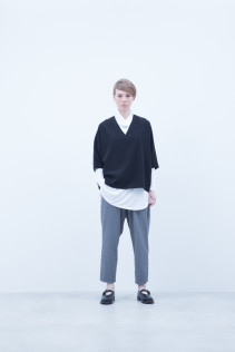 Pullover / A6_N074S : DPO 15,500+tax br; Turtleneck Cut&Sewn / A6_N022T : RTNT 10,000+tax br; Pants / A6_N041P : TRSL 22,500+tax br; Shoes / S6_F1220R : ORDINARIA NOBLE 59,000yen+tax