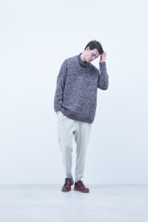Sweater / A6_N152K : EGSW_U 39,000+tax br; Cut&Sewn / A6_N064T : NRTOT 16,000+tax br; Pants / A6_N132P : CSPT 23,500+tax br; Shoes / S6_F116R : REGALIA DURA-M 98,000+tax br;