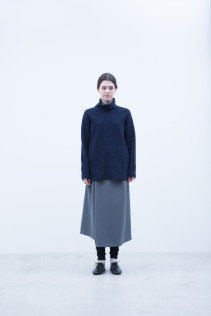 Turtleneck Cut & Sewn / A7_N113TN : NRTOT 15,500+tax br; Skirt / A7_N156SK : NRPSK 22,500+tax br; Leggings / A7_N026TP : NTULE  8,900+tax br;