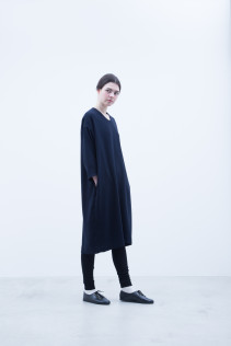 Dress / A7_N097OP : NOVOP 28,500+tax br; Leggings / A7_N026TP : NTULE  8,900+tax br;