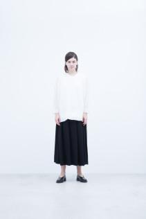 Sweater / S8_NC251KF NOSLK 15,000+tax br; Skirt / S8_NC096SK : NPTSK 23,500+tax br;