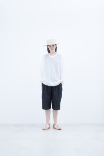 Hat / S8_NC261CP : NKKCP 16,500+tax br; Sweater / S8_NC251KF NOSLK 15,000+tax br; Pants / S8_NC184P6 : NPPSP 17,500+tax br;