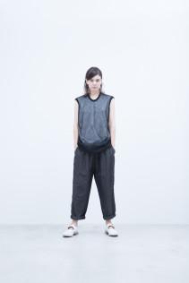 Knit Vest / S8_NC253KV : NMFTK 12,500+tax br; Pants / S8_NC163PF : N2TPT 24,000+tax br;