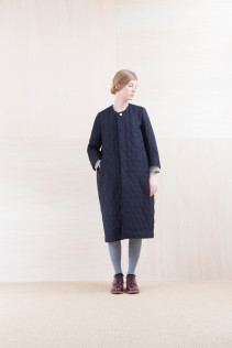 Coat_ NA15-C183 QBCT 58,500yen+tax br; Dress_ NA15-O64 LSHOP 26,500yen+tax br; Sox_ FA15041 LANA01 3,300yen+tax br; Shoes_ FA15051 REGALIA DURA-L 98,000yen+tax