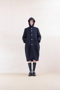Coat_ NA15-C231 FBCT-L 58,500yen+tax br; Dress_ NA15-T44 H126OP 19,000yen+tax br; Sox_ FA15042 LANA02 3,300yen+tax br; Shoes_ FA15062 ORDINARIA NOBLE 59,000yen+tax