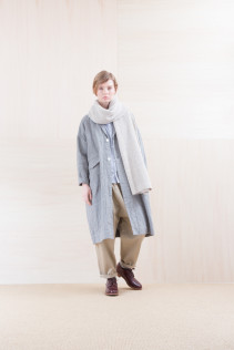 Coat_ NA15-C61 LHCT 32,000yen+tax br; Stole_ NA15-K206 SBSTL 22,500yen+tax br; Shirts_ NA15-S11 JSOSH 18,500yen+tax br; Pants_ NA15-P141 CTSL 21,000yen+tax br; Sox_ FA15041 LANA01 3,300yen+tax br; Shoes_ FA15051 REGALIA DURA-L 98,000yen+tax