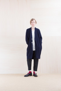 KnitCoat_ NA15-T173 PWCT 32,000yen+tax br; Cut&Sewn_ NA15-T21 CPT144 11,000yen+tax br; Pants_ NA15-P151 1TSL 28,500yen+tax br; Sox_ FA15042 LANA02 3,300yen+tax br; Shoes_ FA15062 ORDINARIA NOBLE 59,000yen+tax