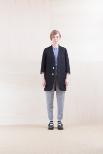 Coat_ NA15-J161 QVJK-L 58,000yen+tax br; Shirts_ NA15-S12 JMSH 18,000yen+tax br; Pants_NA15-P101 WTPT 24,500yen+tax br; Sox_ FA15041 LANA01 3,300yen+tax br; Shoes_ FA15062 ORDINARIA NOBLE 59,000yen+tax