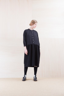 Dress_ NA15-O98 JMGOP 29,000yen+tax br; Sox_ FA15042 LANA02 3,300yen+tax br; Shoes_ FA15062 ORDINARIA NOBLE 59,000yen+tax