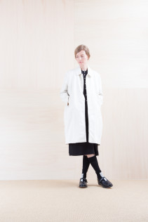 Coat_ NA15-C112 THCT 48,000yen+tax br; Dress_ NA15-O98 JMGOP 29,000yen+tax br; Sox_ FA15042 LANA02 3,300yen+tax br; Shoes_ FA15062 ORDINARIA NOBLE 59,000yen+tax