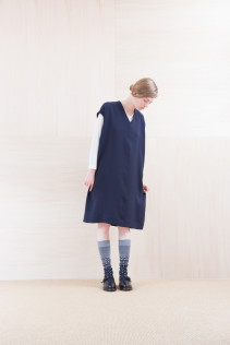 Dress_ NA15-O96 FSOP 28,000yen+tax br; Cut&Sewn_ NA15-T52 BRRT 10,500yen+tax br;  Sox_ FA15043 NIX 3,500yen+tax br; Shoes_ FA15062 ORDINARIA NOBLE 59,000yen+tax