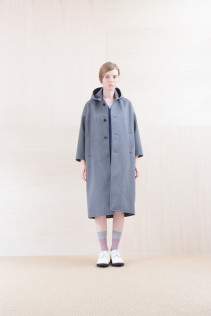 Coat_ NA15-C212 FDOCT 58,500yen+tax br; Dress_ NA15-O33 FSOP 24,500yen+tax br; Cut&Sewn_ NA15-T52 BRRT 10,500yen+tax br; Sox_ FA15045 OBLIQUE 2,200yen+tax br; Shoes_ FA15071 AGGRESSIA DURA-L 44,000yen+tax