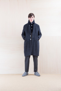 Coat_ NA15-C196 CECT 52,000yen+tax br; Cardigan_ NA15-T42 HFPK 21,500yen+tax br; Pants_ NA15-P132 WDPT 24,500yen+tax
