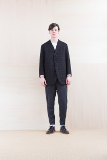 Coat_ NA15-J166 QVJK-M 59,000yen+tax br; Shirts_ NA15-S17 KMSH 19,000yen+tax br; Pants_ NA15-P101 WTPT 24,500yen+tax br; Shoes_ FA15056 REGALIA DURA-M 98,000yen+tax
