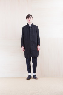 Coat_ NA15-C112 THCT 48,000yen+tax br; Shirts_ NA15-S18 OSSH 21,000yen+tax br; Pants_ NA15-P41 YGPT 21,500yen+tax br; Shoes_ FA15056 REGALIA DURA-M 98,000yen+tax