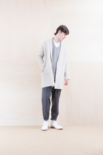 KnitCoat_ NA15-K203 BSCK 46,500yen+tax br; Shirts_ NA15-S68 SHPO 21,500yen+tax br; Pants_ NA15-P71 FLSL 26,000yen+tax br; Shoes_ FA15086 SIMPLICIA DURA-M 48,000yen+tax