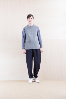 KnitVest_ NA15-K201 SBKV 27,000yen+tax br; Shirts_ NA15-S17 KMSH 19,000yen+tax br; Pants_ NA15-P211 SBCN 32,000yen+tax br; Shoes_ FA15086 SIMPLICIA DURA-M 48,000yen+tax