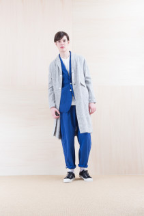Coat_ NA15-C61 LHCT 32,000yen+tax br; Jacket_ NA15-J118 WTDJK 46,000yen+tax br; Cut&Sewn_ FA15036 ELEM T-M 12,000yen+tax br; Pants_ NA15-P111 NSBCN 21,500yen+tax
