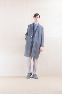 Coat_ NA15-C213 CECT-L 58,500yen+tax br; Shirts_ NA15-S19 LGSH 21,000yen+tax br; Pants_ NA15-P41 YGPT 21,500yen+tax