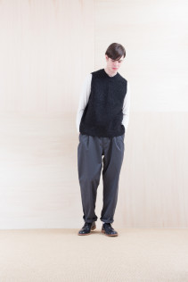 KnitVest_ NA15-K201 SBKV 27,000yen+tax br; Cut&Sewn_ NA15-T57 BRT 11,000yen+tax br; Pants_ FA15021 LAT 19,500yen+tax br; Shoes_ FA15056 REGALIA DURA-M 98,000yen+tax