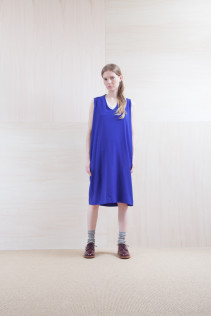 Dress_ S15-O181 NSOP 26,000yen+tax br; Sox_ S15-SO252 Linen rib sox 2,350yen+tax br; Shoes_ prototype