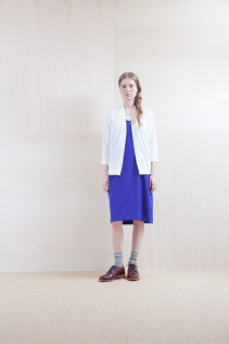 Cardigan_ S15-T41 VNCD 14,000yen+tax br; Dress_ S15-O181 NSOP 26,000yen+tax br; Sox_ S15-SO252 Linen rib sox 2,350yen+tax br; Shoes_ prototype