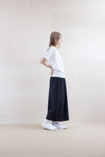 Cut&Sewn_ S15-T193 OST 6,900yen+tax br; Pants_ S15-P186 WDSL 22,000yen+tax br; Sox_ S15-SO252 Linen rib sox 2,350yen+tax